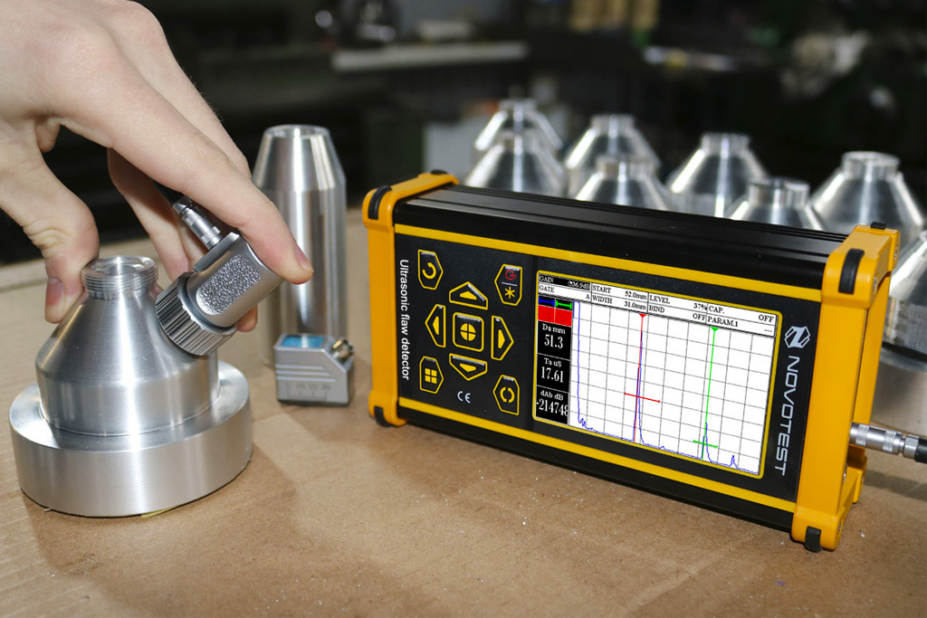 4 Ultrasonic flaw detector UD 2303 object analyzing